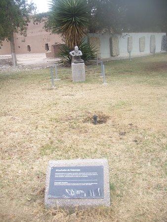 Monument in Parque El Chamizal