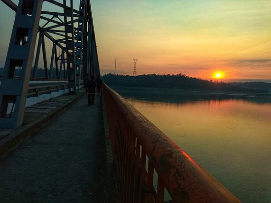 Pyay, Burma: Nawaday Bridge