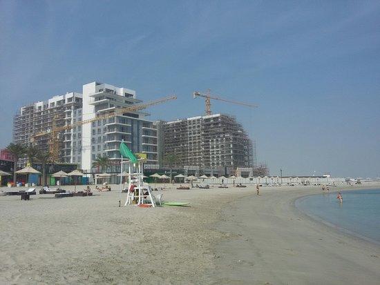 """Пляж Марасси, куда привозят на шатл-басе туристов из отеля """"Дива"""""""