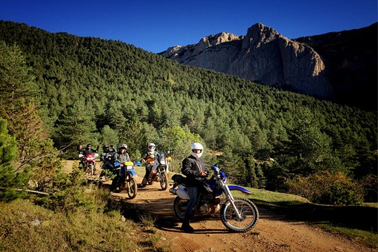 Bellerive-sur-Allier, França: Trail to South. 6 days motorcycle tour from France to Spain.