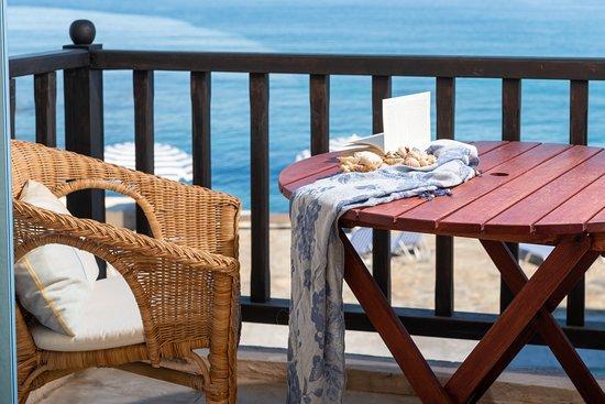 Porto Sisi Hotel Apartments: Sea front apartment