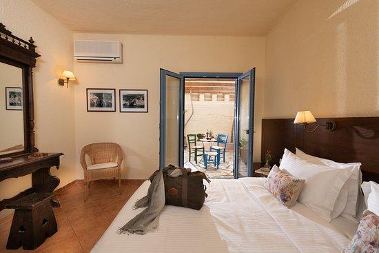 Porto Sisi Hotel Apartments: Seafront apartment