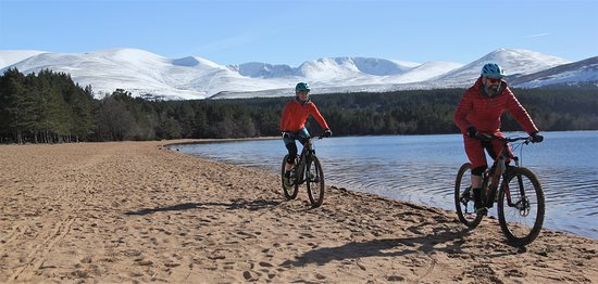 Aviemore, UK: Mountain Biking at Loch Morlich