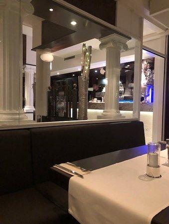 Poseidon : Restaurant inside