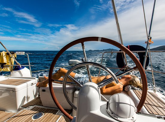 Sailing in BVI on Navigare Yachting yacht