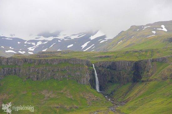 Grundarfoss, una de las muchísimas bellas cascadas que hay en Islandia, un país alucinante...