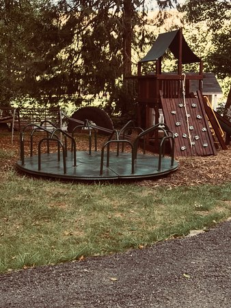 Fun playground! Parents must supervise their children at all times please