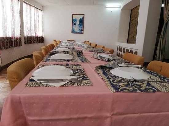 Rhumsiki, Camerún: Le restaurateur appliqué!