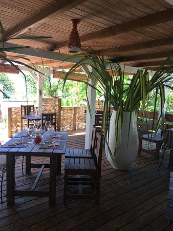 Grand Bourg, Guadeloupe: Endroit agréable et charmant, venez découvrir notre restaurant face au lagon...