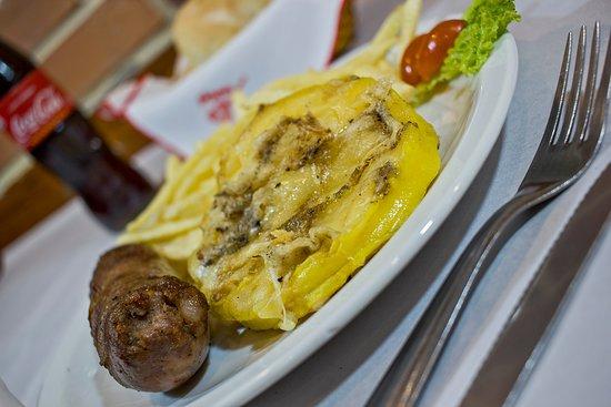 Pippo Restaurant (Parana): Provoleta a la Parrilla con Oreganatto