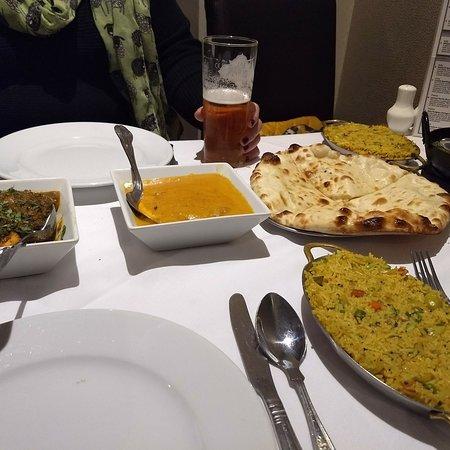 ZEERA SPICE LOUNGE: Saturday evening curry