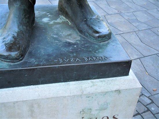 János Kálvin statue