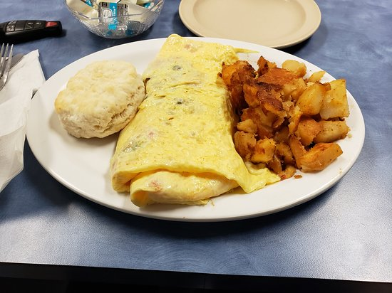 Beverly Hills, FL: Three Egg Veggie Omelet, Home Fries, Biscuit
