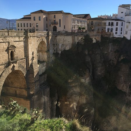 El puente viejo con más de 300m de precipicio y unas vistas espectaculares.