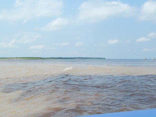 Encontro das águas (Manaus-AM)