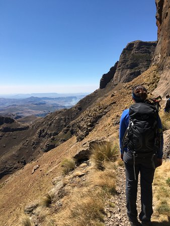 Active Escapes - Day Tours: Amphitheather day hike
