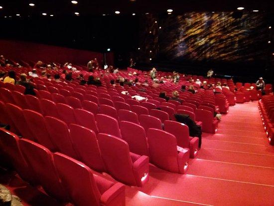 Theater 11