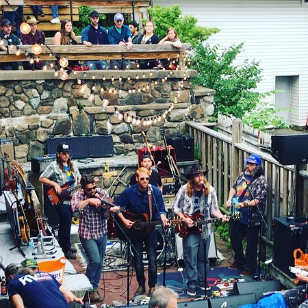 Mallet Brothers - Party on the Patio 2018