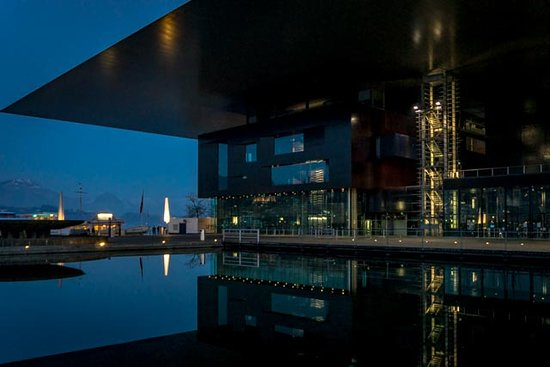 The KKL Luzern from the outside