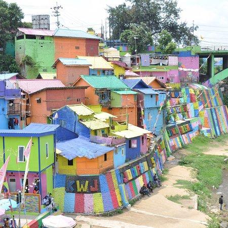 Kampung Warna Warni