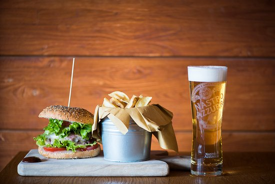 a visit to Cervinia would be incomplete if one misses THE BAR Après-Ski and its famous secret recipe burgers
