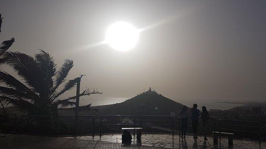 Tour por la ciudad de Dakar y la isla de Goree: Sunset at Goree Island in Dakar, Senegal