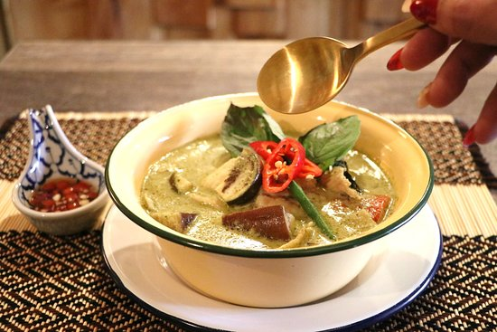 "Y20. ""POWER GREEN CURRY CHICKEN"" Green curry แกงเขียวหวาน Cooked with organic kale, long beans, green squash, green baby Thai eggplant, fresh basil leaves"