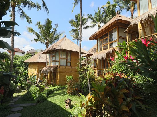 Biyukukung Suites and Spa: Bamboo House Building