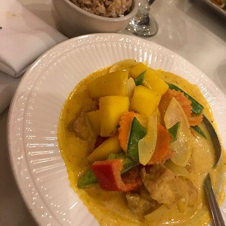 Thai Sweet Basil: Mango curry