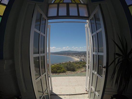 Piriapolis, Uruguay: Vista de dentro da capela de Santo Antônio