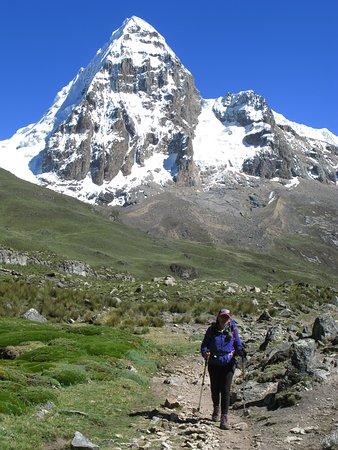 Cordillera Huayhuash: NEVADO TRAPECIO
