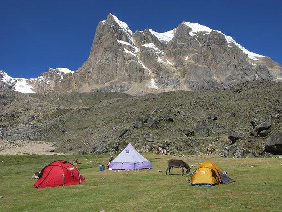 Cordillera Huayhuash: OTRO CAMPAMENTO