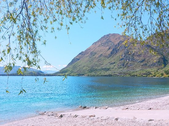 Wanaka. I will always have great memorys of this beautiful town with its spectacular views.