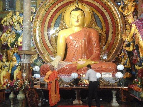 Colombo, Sri Lanka : Main Temple