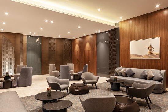 Hilton Garden Inn Dubai Al Jadaf Culture Village : Seating area in our lobby
