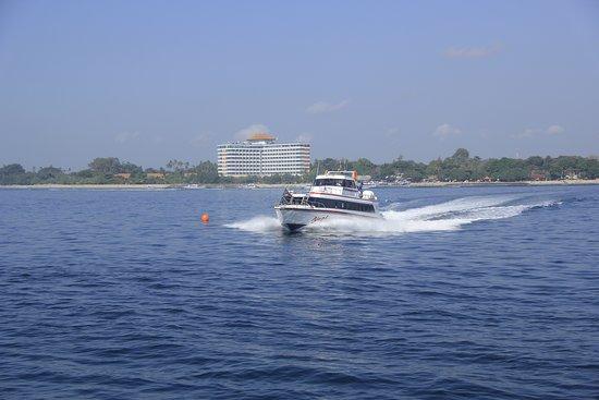 Nacha Fast Boat: On the way!
