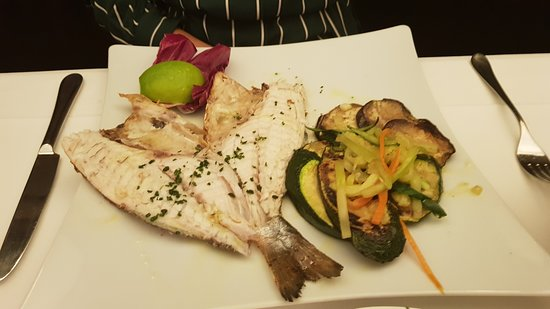 Peppino im Hofkeller: Sea bass