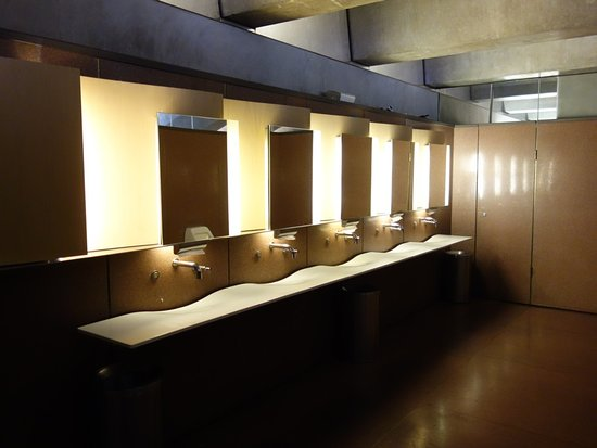 Sydney Opera House: wash basins