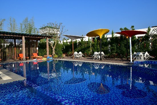 Heho, Myanmar: very nice pool area