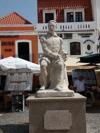 Estatua de Luis Vaz de Camoes