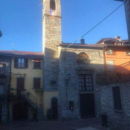 Casa Torre Via Santa Maria