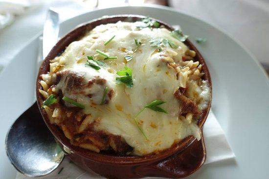 Taverna Irene: Giouvetsi greek cuisine