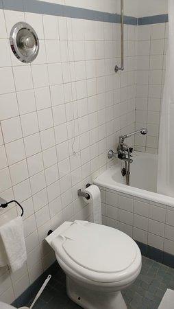 Funchal, Portugal : Hotel El Greco, kylpyhuone 5. krs