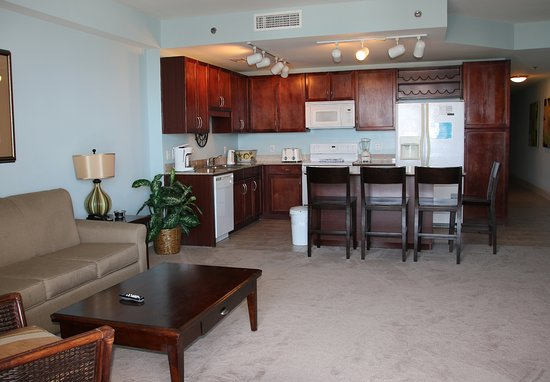 Laketown Wharf Resort By Emerald View Resorts: Living Room and Kitchen Area