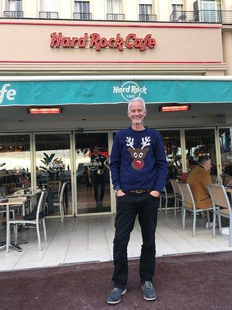Hard Rock Cafe: Me - Outside