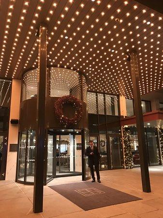 Inngang til Hotel Norge