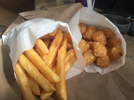 Easton, WA: Fries & Tots