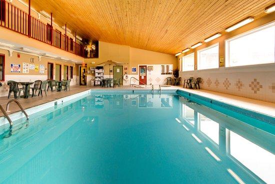 Pool Balcony, pool, and hot tub/spa