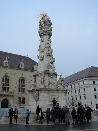 La colonne sur la place de la Sainte Trinité
