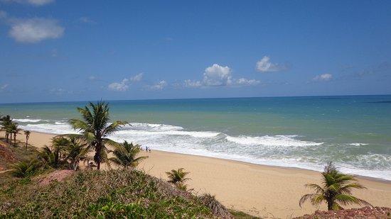 Barra de Jequia Beach: Mar de varios tons azuis